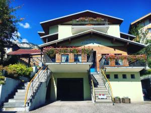 Hotel Garni Enrosadira, Hotely  Vigo di Fassa - big - 1