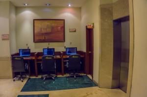 Hotel Emperador, Hotel  Ambato - big - 46