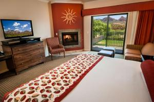 King Room with Fireplace - Non smoking