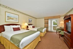 Double Room with Two Double Beds with View
