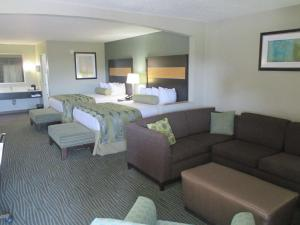 Large Queen Room with Two Queen Beds - Non smoking