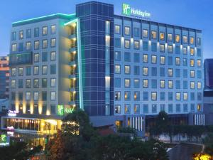 Aston Primera Pasteur Hotel and Convention Center