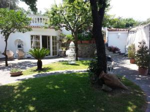 Villa White Lacco Ameno - AbcAlberghi.com