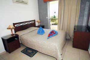 Petsas Apartments, Aparthotels  Coral Bay - big - 12