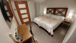 Twin Room (interior)