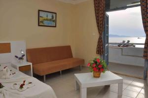 Victoria Suite Hotel & Spa, Отели  Тургутреис - big - 7
