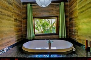 Superior Chalet with Japanese Style Hot Tub