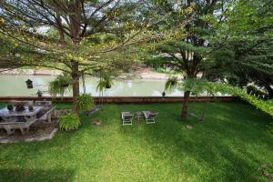Dvoulůžkový pokoj s výhledem na řeku