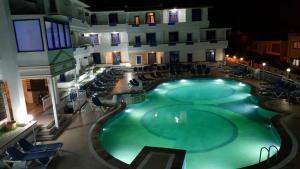 Victoria Suite Hotel & Spa, Отели  Тургутреис - big - 27