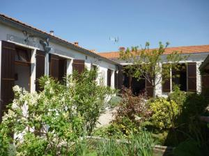 Basse Vendome, Case vacanze  Lagord - big - 17