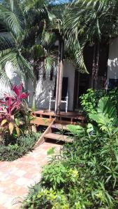 Roatan Backpackers' Hostel, Hostelek  Sandy Bay - big - 47