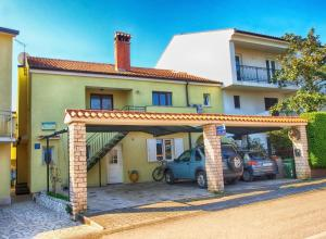 Apartments Ljubica 141