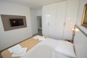 Apartments Lofiel, Apartmány  Novalja - big - 69