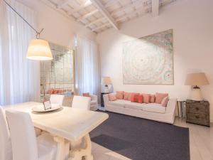 RSH Capo le Case Apartments - abcRoma.com