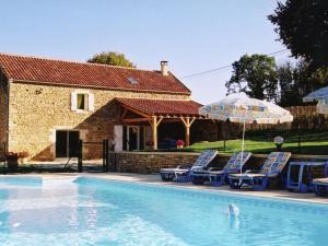 Maison De Vacances - Besse 3, Nyaralók  Saint-Pompont - big - 1