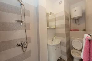 Guesthouse Rota, Penzióny  Mostar - big - 41