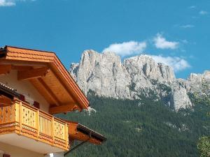 Semal I, Ferienwohnungen  Vigo di Fassa - big - 11