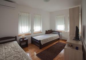 Guesthouse Rota, Penzióny  Mostar - big - 24
