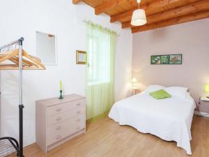 St Caprais, Ferienhäuser  Villefranche-du-Périgord - big - 11