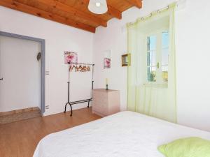 St Caprais, Ferienhäuser  Villefranche-du-Périgord - big - 12