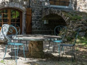 A Beautiful Stone farmhouse, Villas  Saint-Bonnet-le-Froid - big - 18