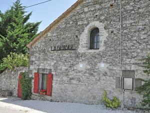 Gîte Grange, Villen  Touffailles - big - 38