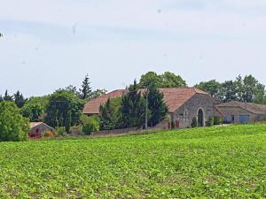 Gîte Grange, Villen  Touffailles - big - 35
