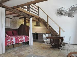 Gîte Grange, Villen  Touffailles - big - 22