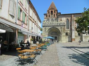 Gîte Grange, Villen  Touffailles - big - 31