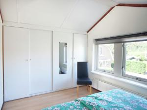 Holiday home Bungalowpark T Lappennest, Holiday homes  Noordwijk - big - 8