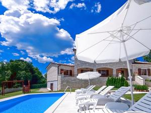 Villa Vernier, Виллы  Tinjan - big - 7
