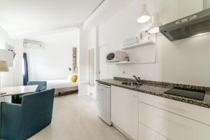 Comercio do Porto by Oporto Tourist Apartments, Apartmány  Porto - big - 14