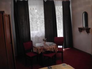 Kis Apartmanház, Apartmány  Hévíz - big - 42