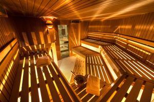 Alpen Hotel Corona, Hotely  Vigo di Fassa - big - 79