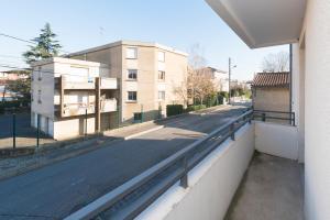 Studio avec parking et balcon aux Argoulets, Apartmány  Toulouse - big - 5