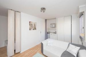 Studio avec parking et balcon aux Argoulets, Apartmány  Toulouse - big - 6