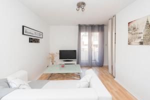 Studio avec parking et balcon aux Argoulets, Apartmány  Toulouse - big - 8