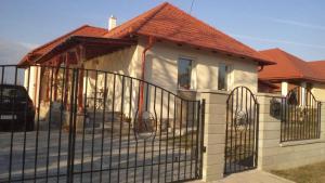 Molni, Apartmány  Balatonfůzfő - big - 11