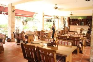 Feung Nakorn Balcony Rooms and Cafe, Hotels  Bangkok - big - 93