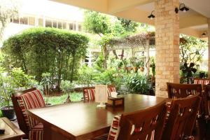 Feung Nakorn Balcony Rooms and Cafe, Hotels  Bangkok - big - 95