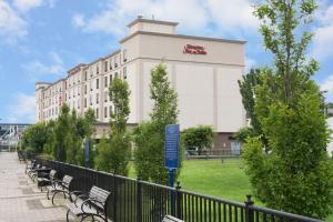 Hampton Inn and Suites Newark-Harrison-Riverwalk
