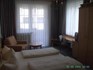 Hotel Roter Hahn Garni, Hotel  Garmisch-Partenkirchen - big - 4