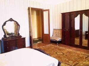 Amazing Guesthouse, Penzióny  Gori - big - 6