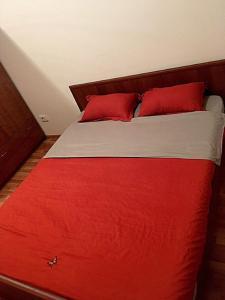 Apartment Moldagulova 5A, Apartments  Aqtöbe - big - 4