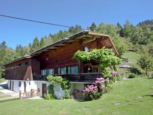 Wasserfall, Case vacanze  Hart im Zillertal - big - 36