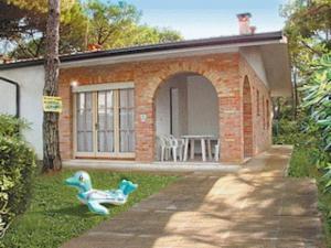 Villa a Lignano Riviera con giardino - AbcAlberghi.com