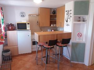 Small House Apartment, Pensionen  Kerepes - big - 33