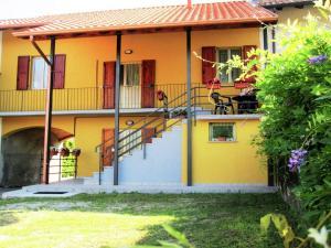 Holiday Home Ticino Riviera Uno Pia Due