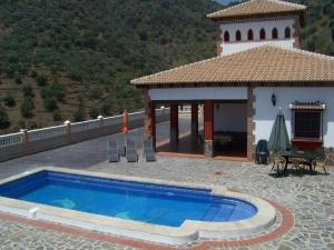 Villa Alejandro, Villák  Sayalonga - big - 3