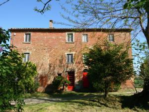 Cozzano - AbcAlberghi.com